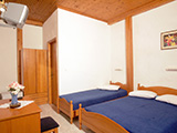 Hotel Gounos :: Triple room with 1 single and 1 double bed