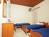 Hotel Gounos :: Triple room with 3 single beds
